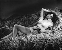 220px-Jane_Russell_in_The_Outlaw