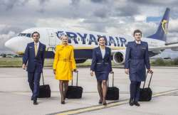 steward-e-hostess-ryanair-901501