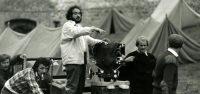 stanley-kubrick-filming-barry-lyndon-still-photographer-keith-hamshere-b-900x425
