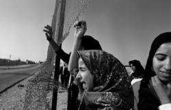 ariella_azoulay_act_of_state_photo_by_rina_castelnuovo-_rafah_1991